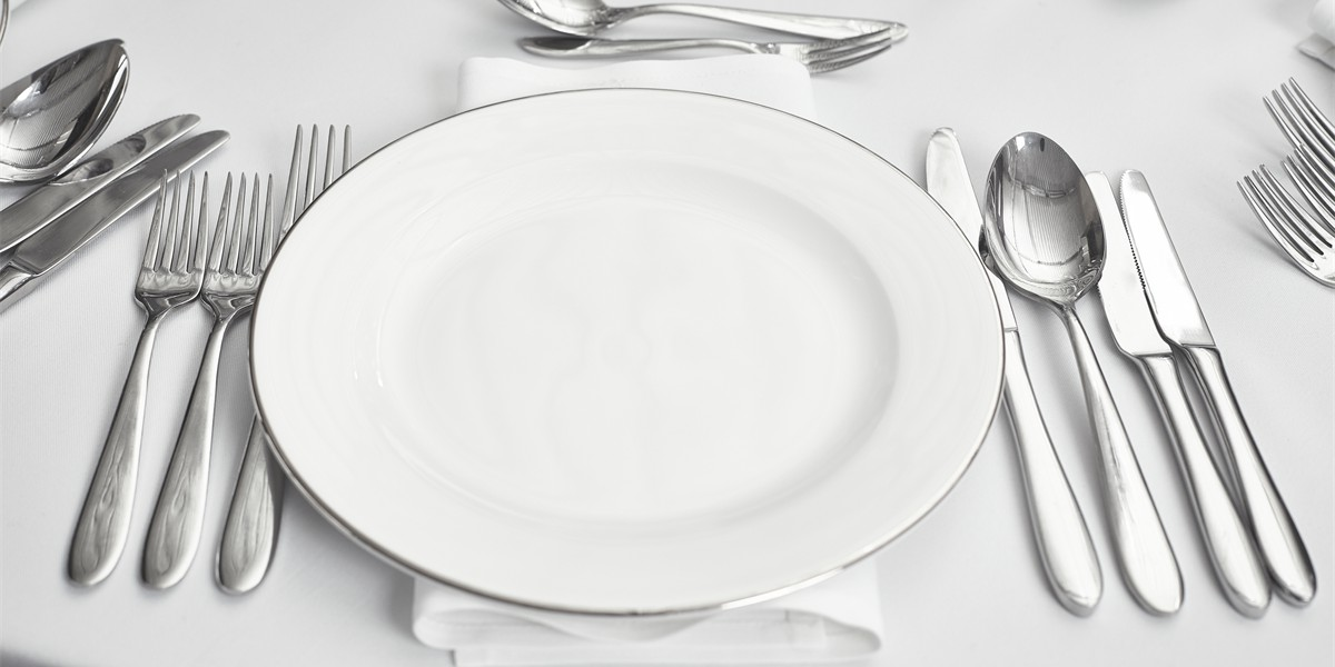 COMPLETE PLACE SETTINGS